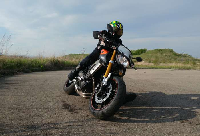 Photo du roadster Yamaha MT09 Street Tracker