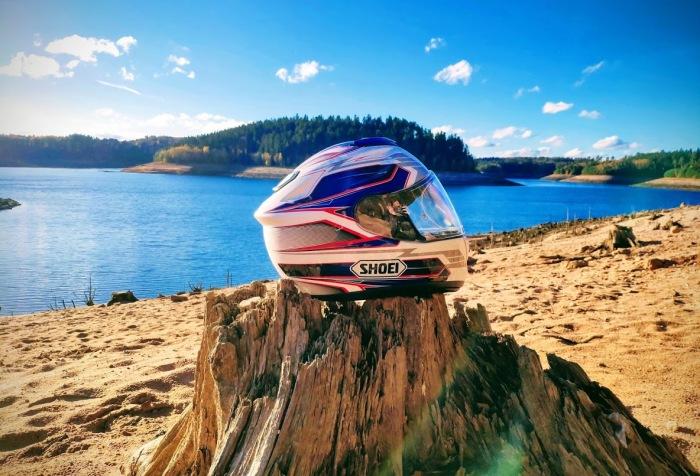 Photo casque shiftard Shoei GT AIR lac pierre percée