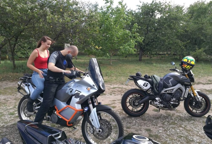 Photo ITBR achat d'une moto ktm adventure 950 yamaha mt09
