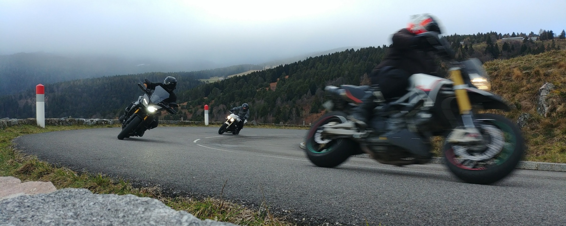 Photo ITBR groupe moto Street triple tracer dorsoduro